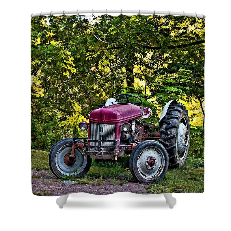 West Virginia Shower Curtain featuring the photograph Left Fielder by Steve Harrington