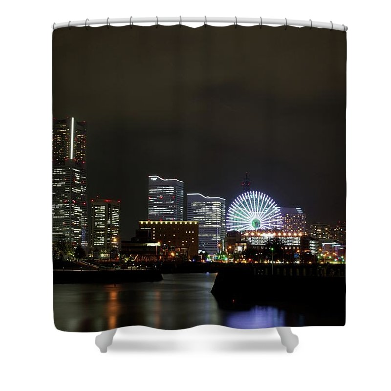 Tranquility Shower Curtain featuring the photograph Minato-mirai by Takuya.skd