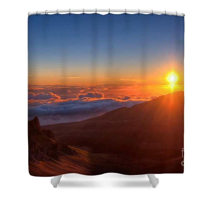Halakeala Shower Curtain featuring the photograph Morning Glory by James Anderson