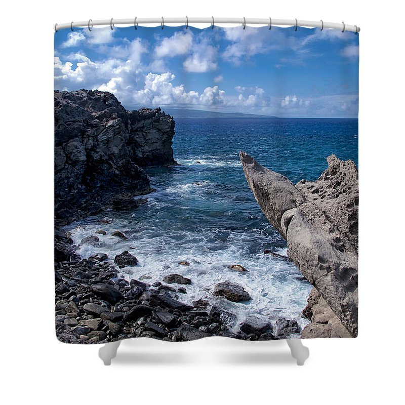 Hawaii Shower Curtain featuring the photograph Napili 114 by Dawn Eshelman
