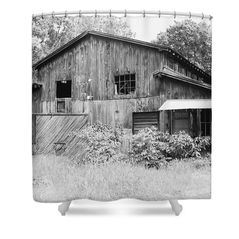 Barn Shower Curtain featuring the photograph Nc Barn by IMH Photog