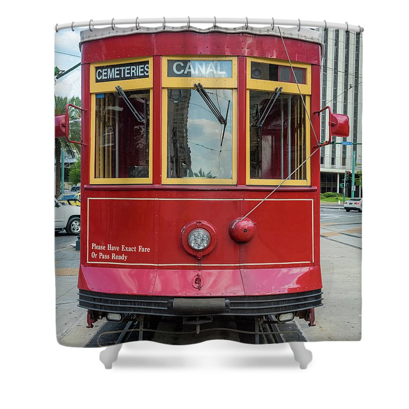 Hinge Shower Curtain featuring the photograph New Orleans Streetcar Heading Straight by Drnadig