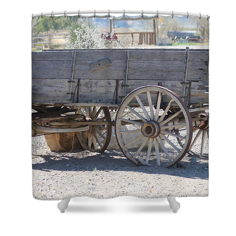 Shower Curtain featuring the photograph Old Western Wagon by G Berry