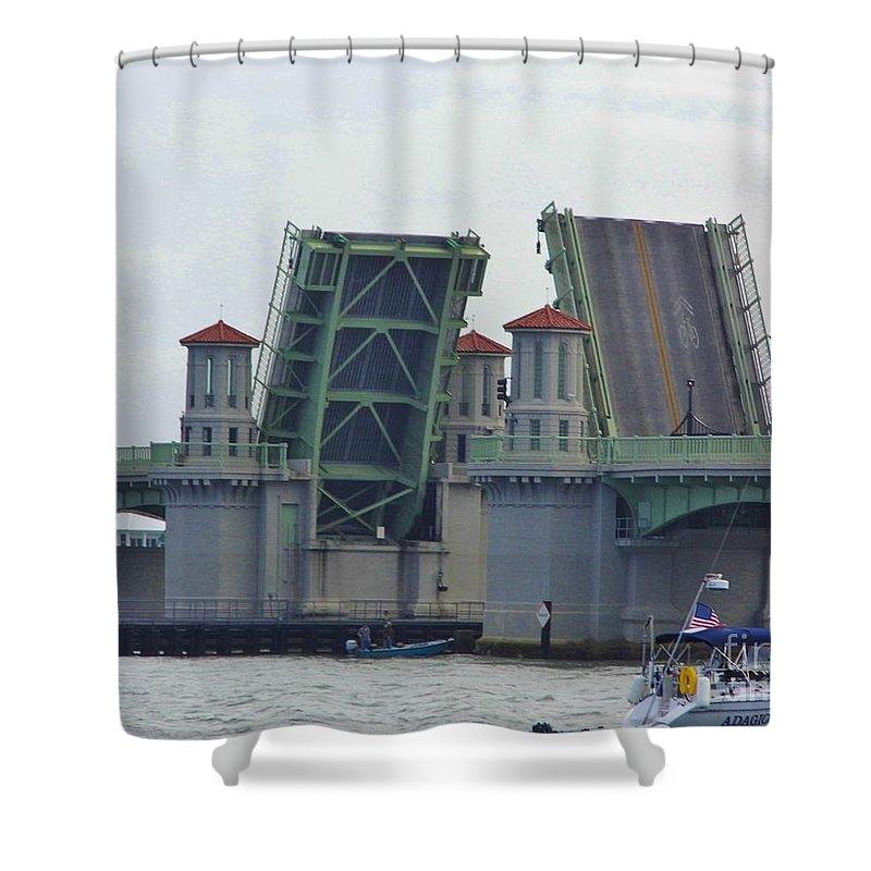 Bestseller Shower Curtain featuring the photograph Open Bridge Of Lions by D Hackett