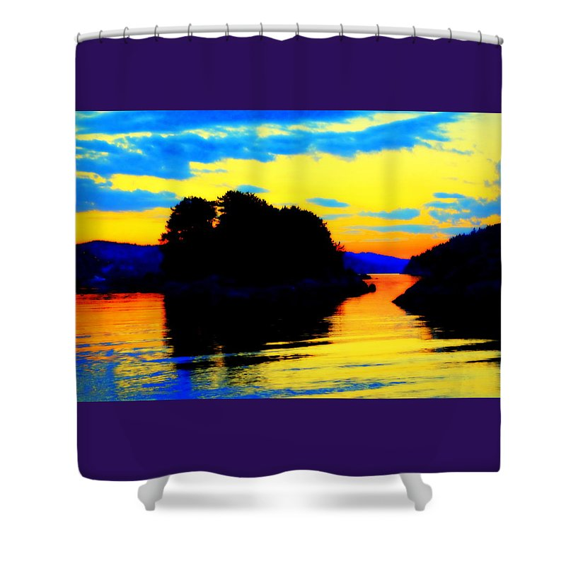 Sky Shower Curtain featuring the photograph Painting The High Sky And The Deep Sea by Hilde Widerberg