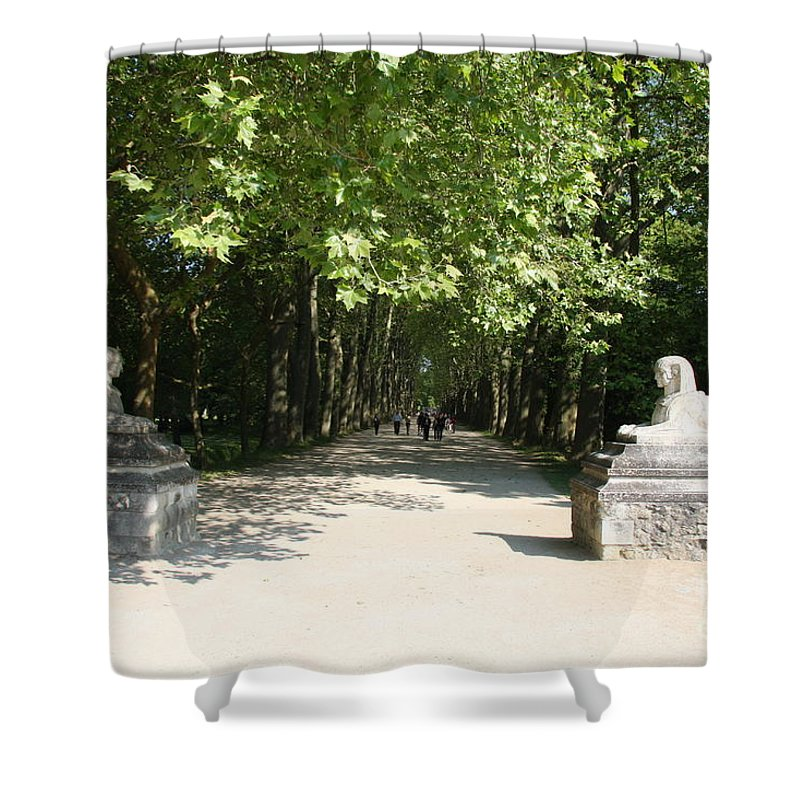 Egyptian Statue Shower Curtain featuring the photograph Parkway Chateau Chenonceaux France by Christiane Schulze Art And Photography