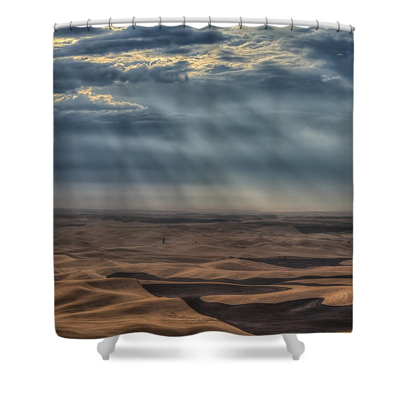 Wheat Shower Curtain featuring the photograph Rays On The Palouse by Mark Kiver