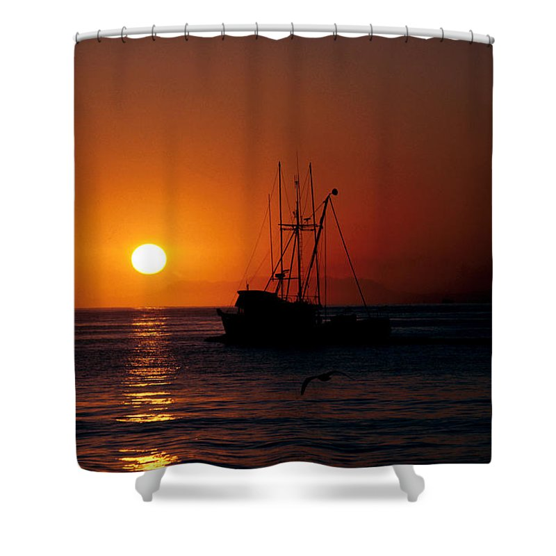 Ocean Shower Curtain featuring the photograph Red At Night Sailor's Delight by Jerry McElroy