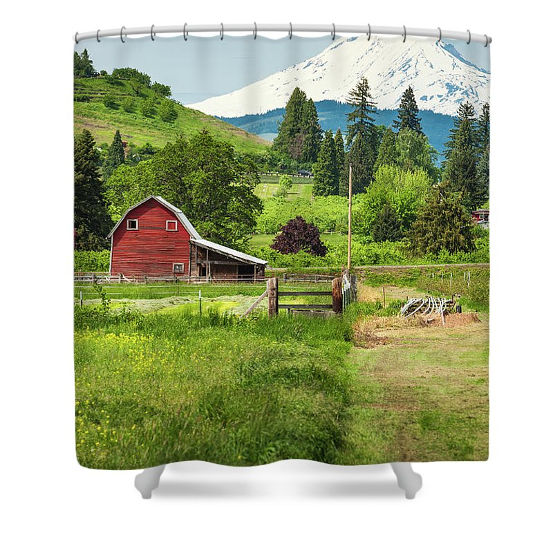 Scenics Shower Curtain featuring the photograph Red Barn Green Farmland White Mountain by Fotovoyager
