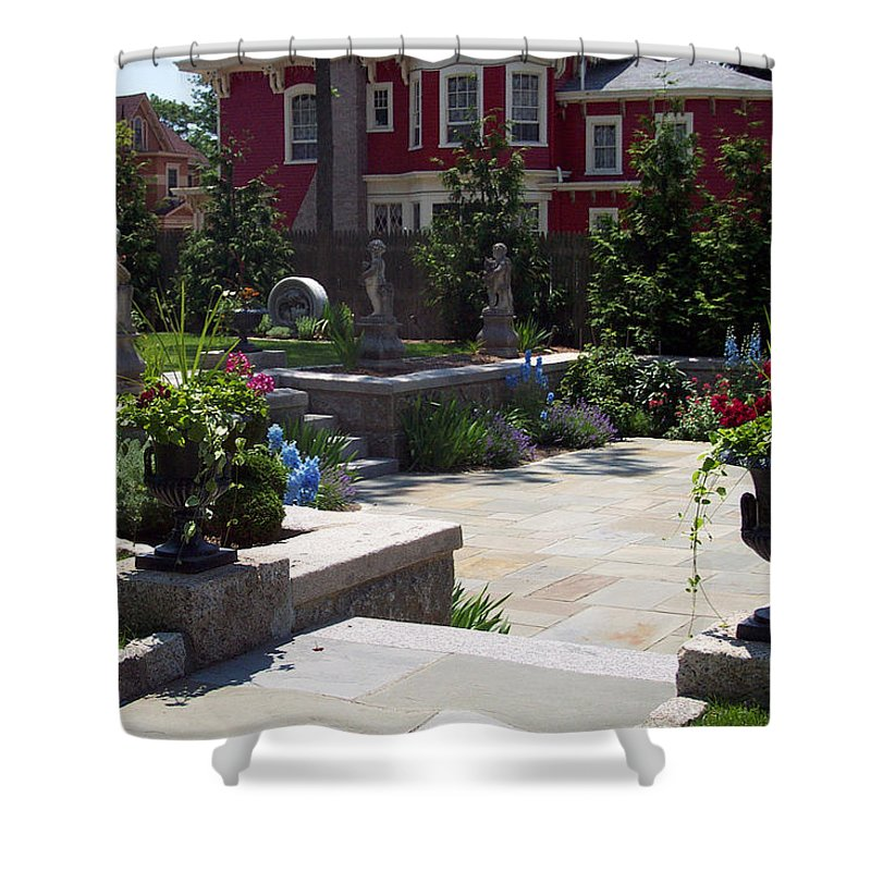 Garden Shower Curtain featuring the photograph Respite In The City by Georgia Hamlin