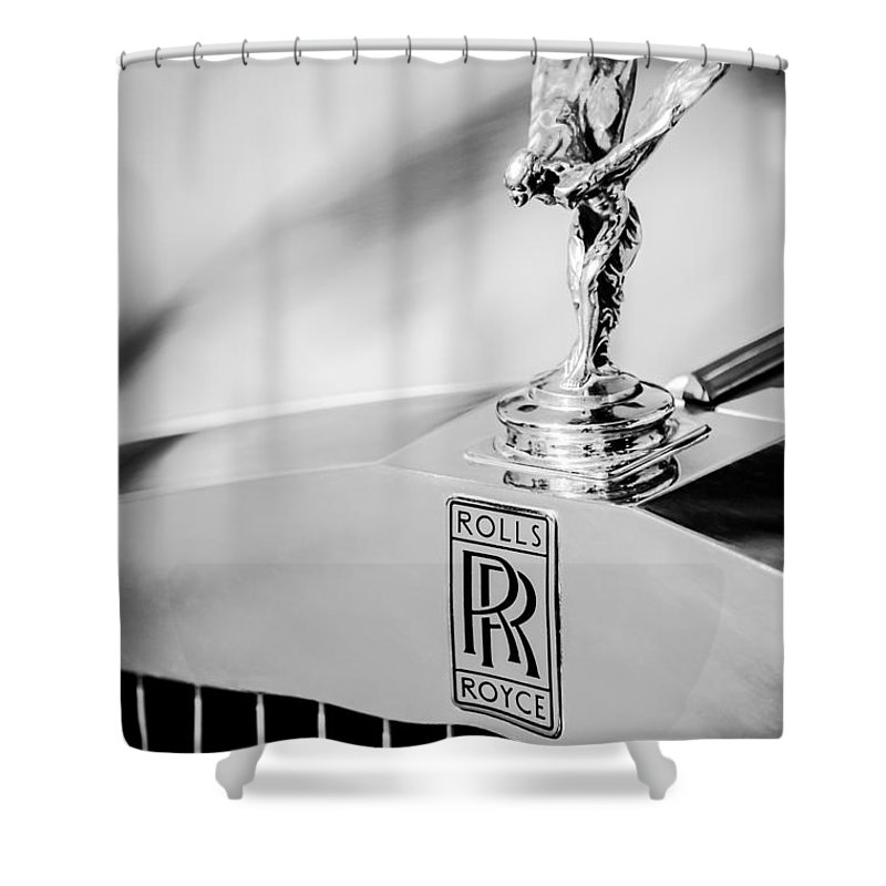 Rolls-royce Hood Ornament Shower Curtain featuring the photograph Rolls-royce Hood Ornament -782bw by Jill Reger