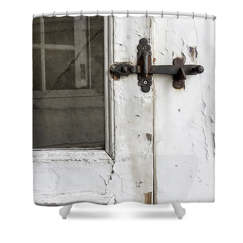 Ornate; Old; Building; Door; Doorway; Wood; Rustic; White; Peeling; Chipped; Painted; Rust; Metal; Closed; Aged; Entrance; Dirty; Facade; Grunge; Cracked; Handle; Keyhole; Rusty; Wooden; Beautiful; Lovely; Lock; Locked; Screen; Window; Reflection Shower Curtain featuring the photograph Screen by Margie Hurwich
