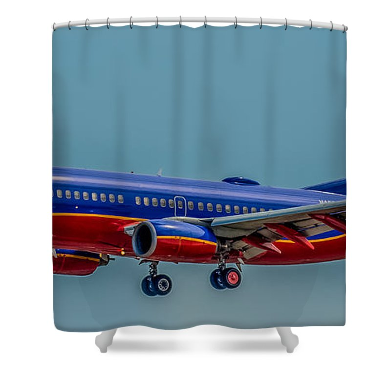 Plane Shower Curtain featuring the photograph Southwest 737 Landing by Paul Freidlund