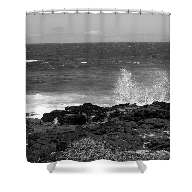 Black And White Shower Curtain featuring the photograph Splashing On The Shore by Jo Jurkiewicz