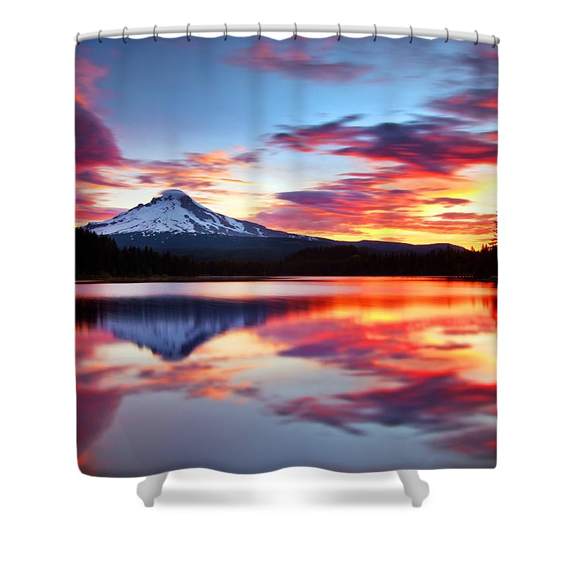 Mount Hood Shower Curtain featuring the photograph Sunrise On The Lake by Darren White