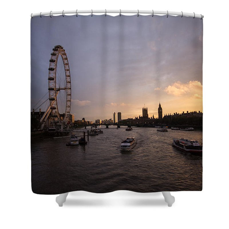 Westminster Shower Curtain featuring the photograph Sunset In London by Dawn OConnor