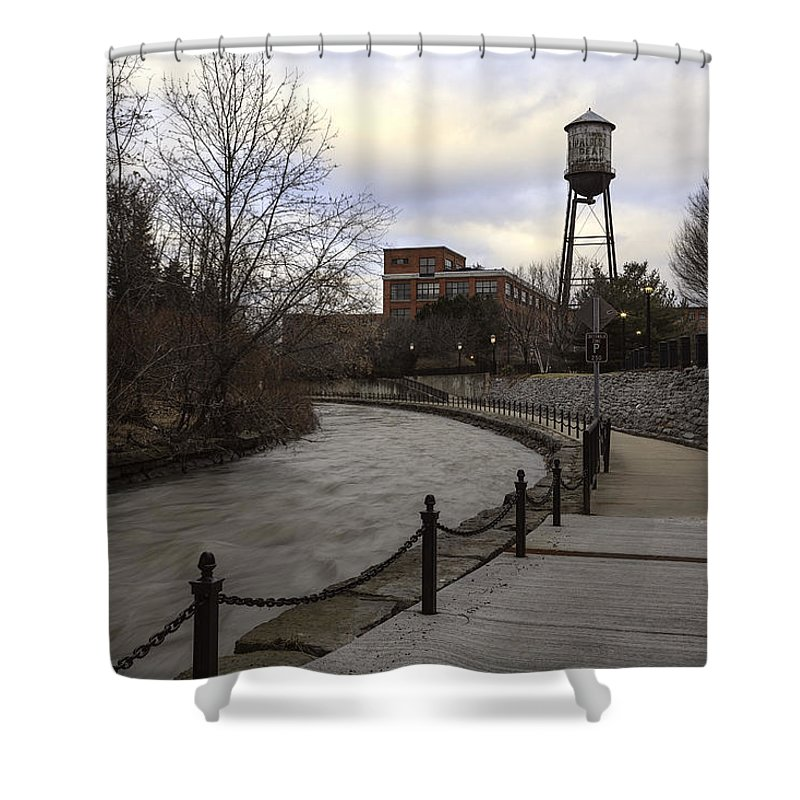 Syracuse Shower Curtain featuring the photograph Syracuse Creekwalk by Everet Regal