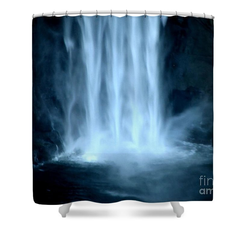 Taughannock Falls Shower Curtain featuring the photograph Taughannock Falls Closeup by Rose Santuci-Sofranko
