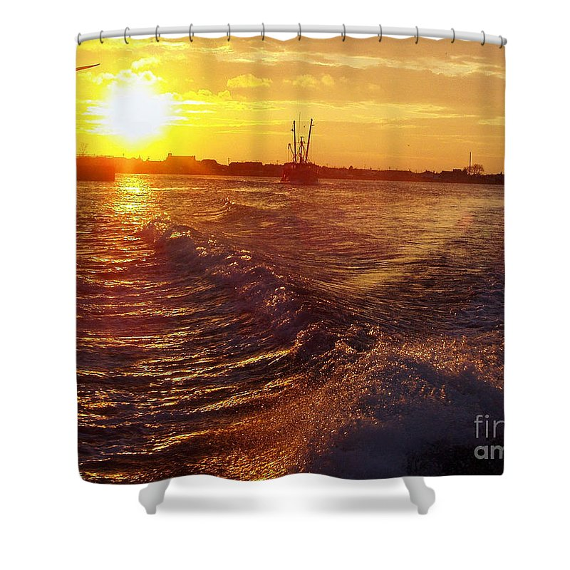 The End To A Fishing Day Shower Curtain featuring the photograph The End To A Fishing Day by John Telfer