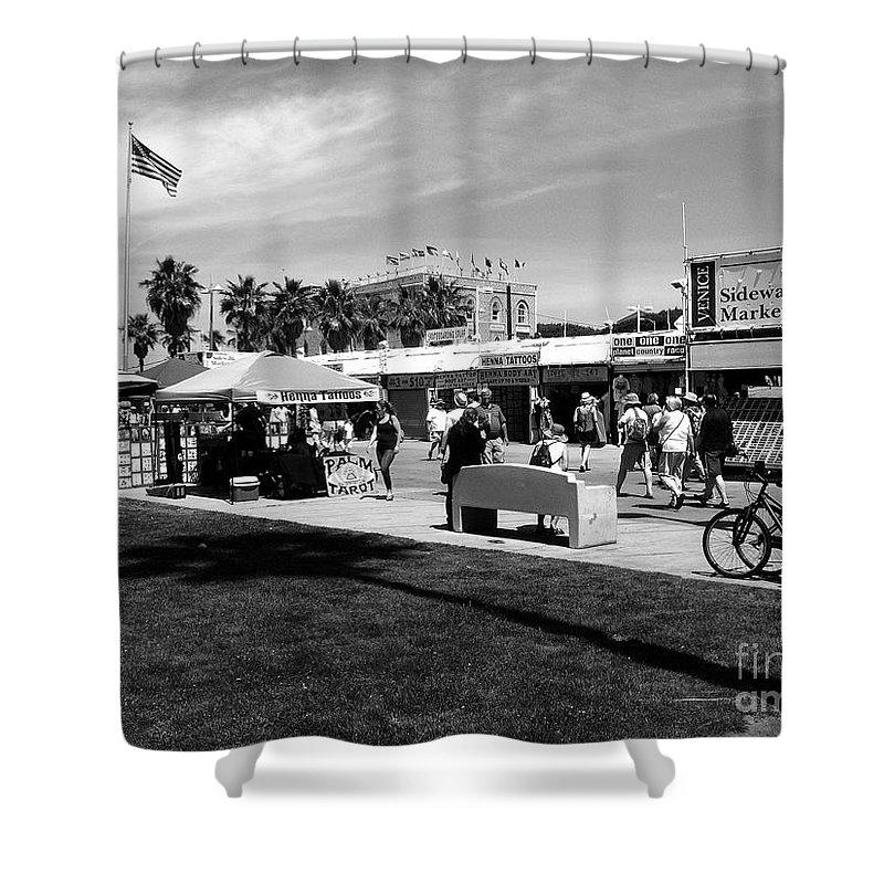 Venice Beach W. Axxemanne Shower Curtain featuring the photograph Venice Beach Street Venders by W Axxemanne