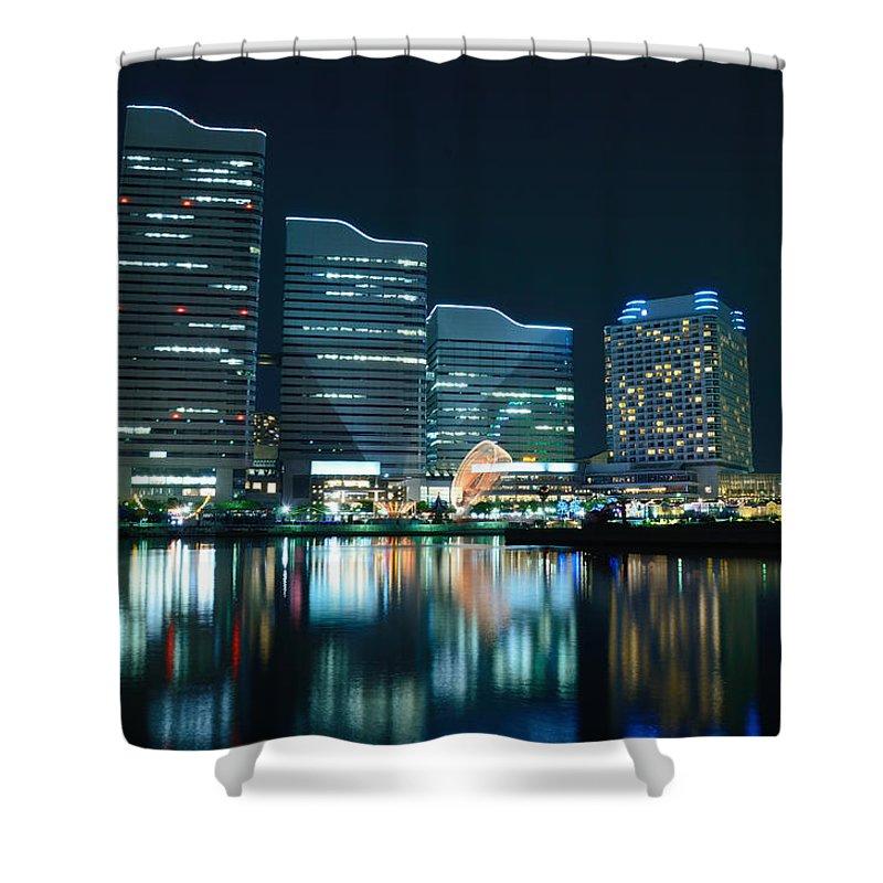 Minato Mirai Shower Curtain featuring the photograph Yokohama Minato-mirai by Kaoru Hayashi