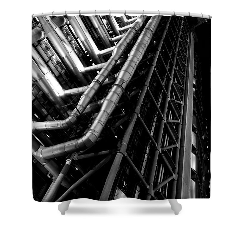 Lloyd's Shower Curtain featuring the photograph Lloyd's Building London by David Pyatt