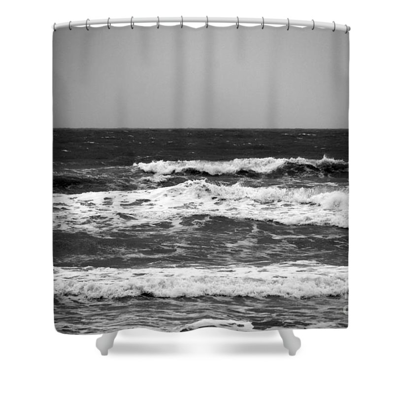 Waves Shower Curtain featuring the photograph A Gray November Day At The Beach - II by Susanne Van Hulst