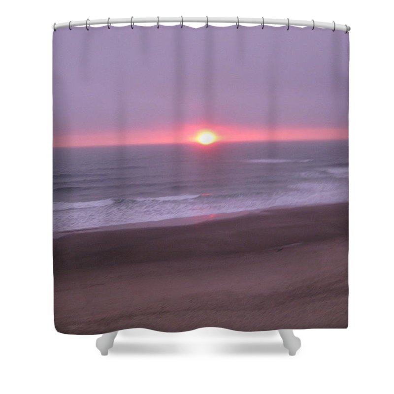 Sunset Shower Curtain featuring the photograph A Sunset On The Oregon Coast by Linda Hutchins