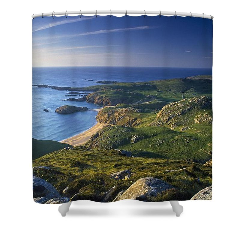 Beach Shower Curtain featuring the photograph Boyeeghter Strand And Melmore Head by Gareth McCormack