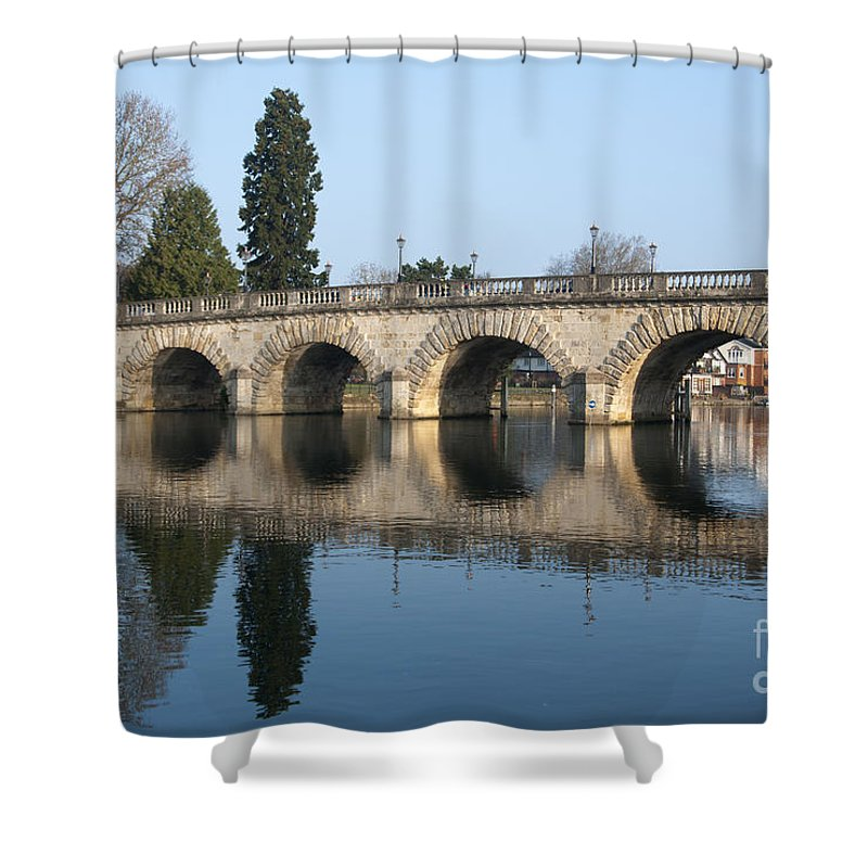 2011 Shower Curtain featuring the photograph Bridge Over The River Thames by Andrew Michael
