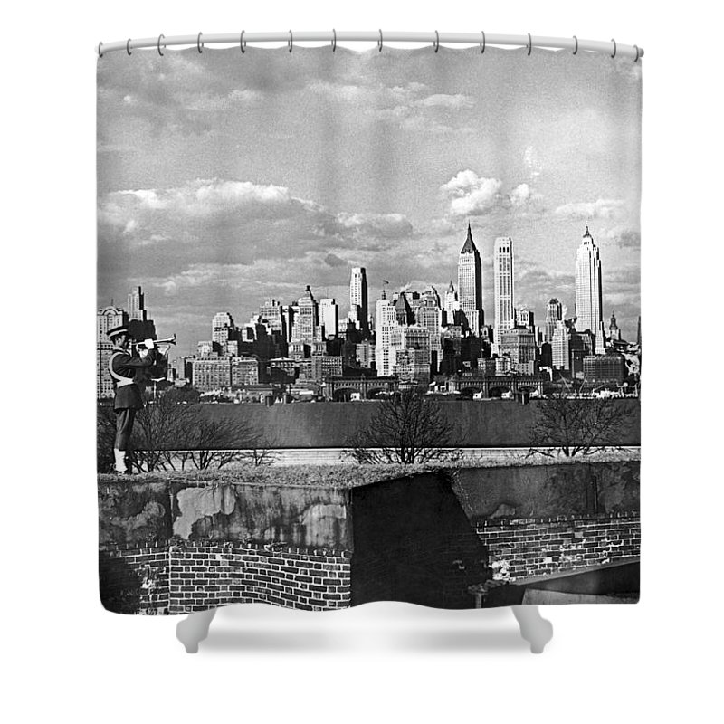 1920's Shower Curtain featuring the photograph Buglers On Governors Island by Underwood Archives