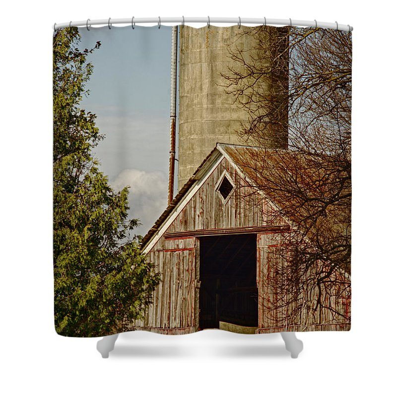 Lewis County Ny Shower Curtain featuring the photograph Castorland Barn by Dennis Comins