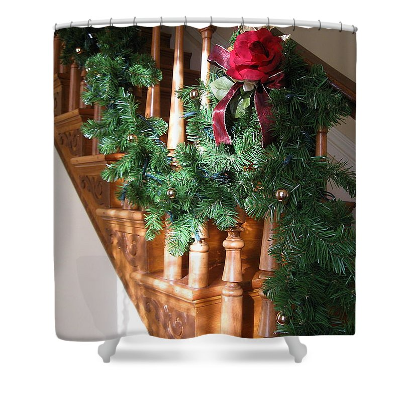 Red Rose Shower Curtain featuring the photograph Christmas Garland by Nancy Patterson