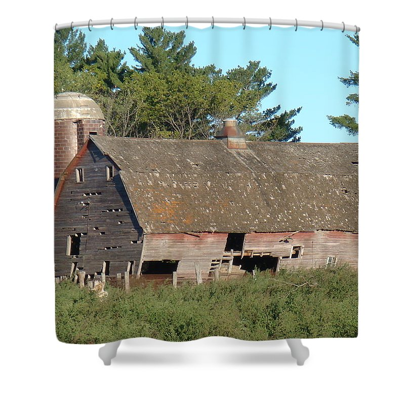 Barn Shower Curtain featuring the photograph Classic by Bonfire Photography