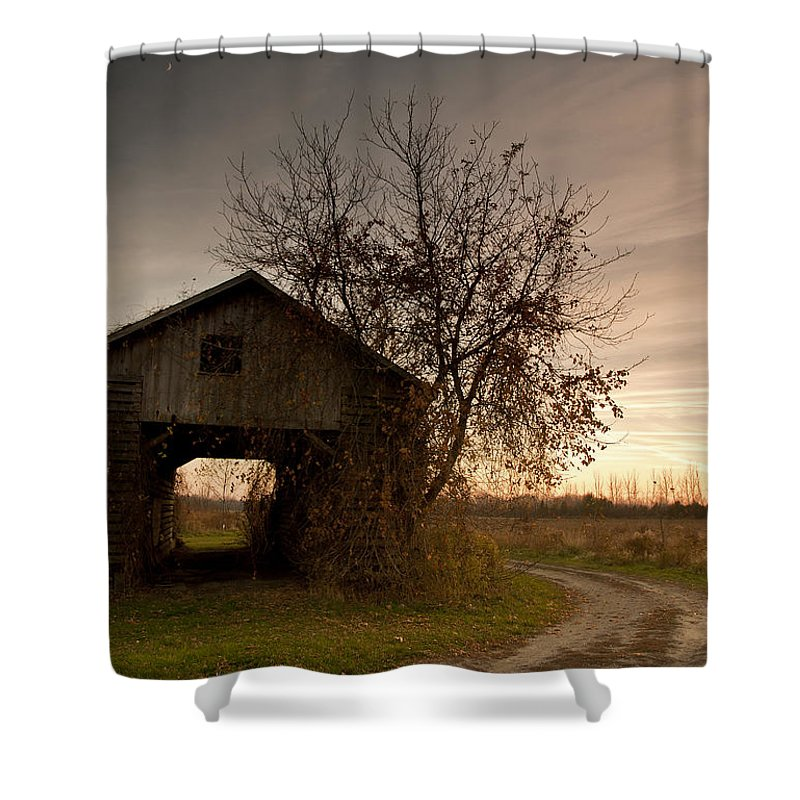 Farm Shower Curtain featuring the photograph Corn Crib by Cale Best