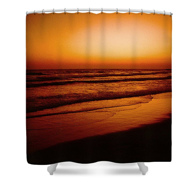 Corona Del Mar Shower Curtain featuring the photograph Corona Del Mar by Mark Greenberg