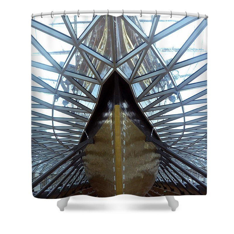 Cutty Sark Shower Curtain featuring the photograph Cutty Sark by Lynn Bolt