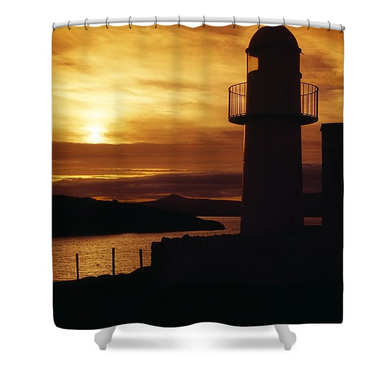 County Kerry Shower Curtain featuring the photograph Dingle Lighthouse, Dingle Peninsula by Richard Cummins