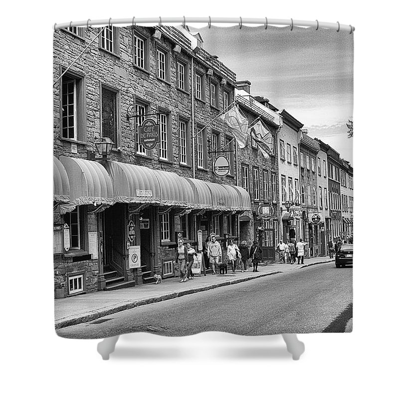 Street Shower Curtain featuring the photograph Grande Allee by Eunice Gibb