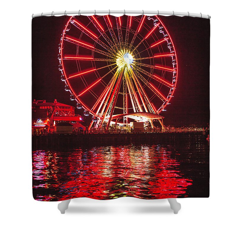 Seattle Shower Curtain featuring the photograph Great Wheel by Mike Penney
