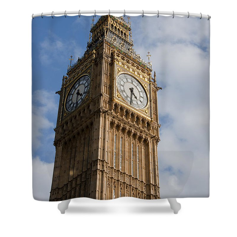 Ben Shower Curtain featuring the photograph Houses Of Parliament by Andrew Michael