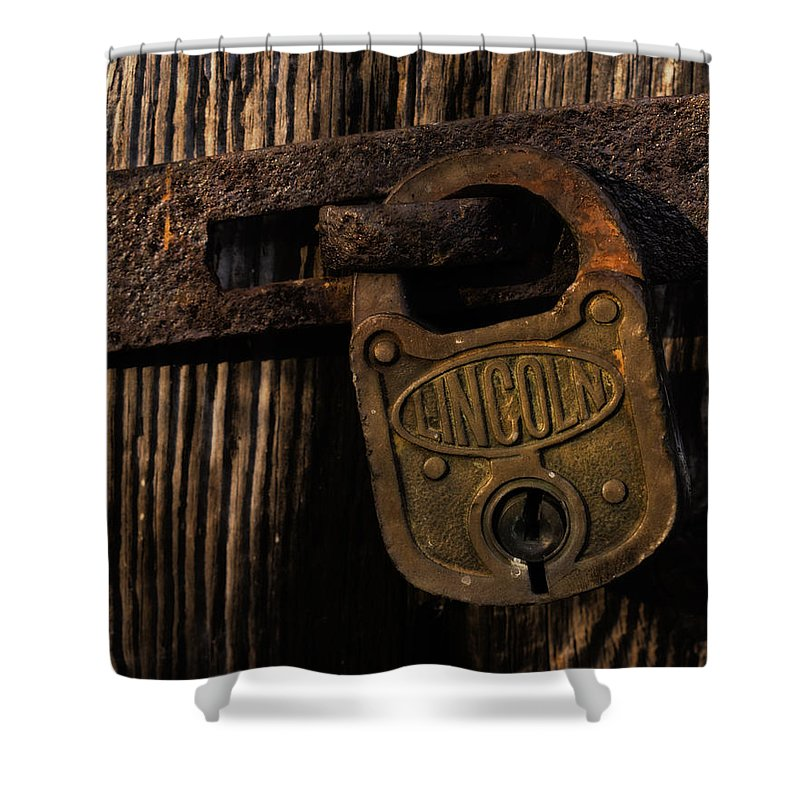 Lock Shower Curtain featuring the photograph Lincoln Lock by Steven Richardson