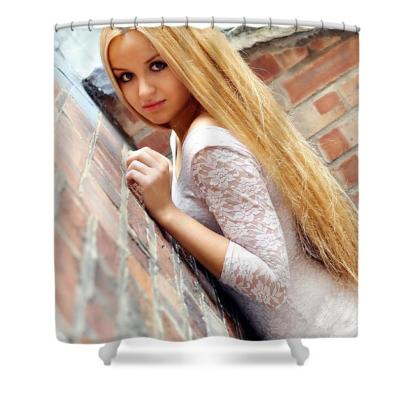 Yhun Suarez Shower Curtain featuring the photograph Liuda3 by Yhun Suarez