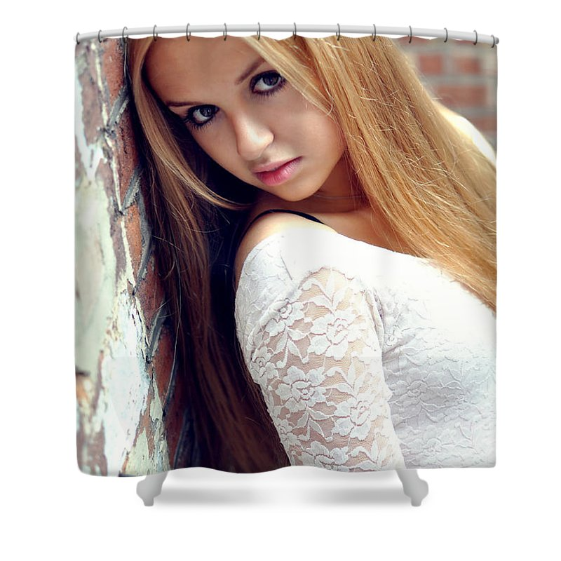 Yhun Suarez Shower Curtain featuring the photograph Liuda4 by Yhun Suarez