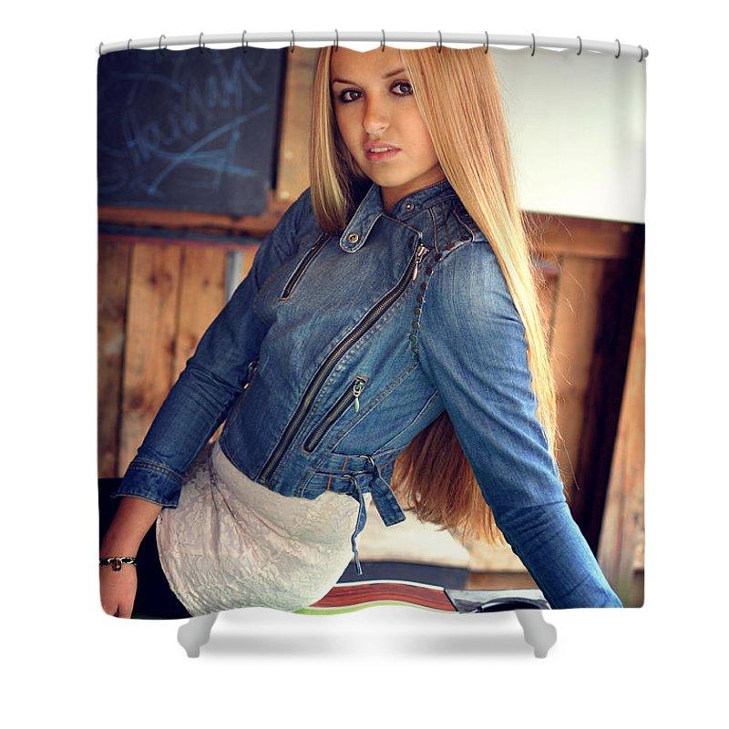 Yhun Suarez Shower Curtain featuring the photograph Liuda7 by Yhun Suarez