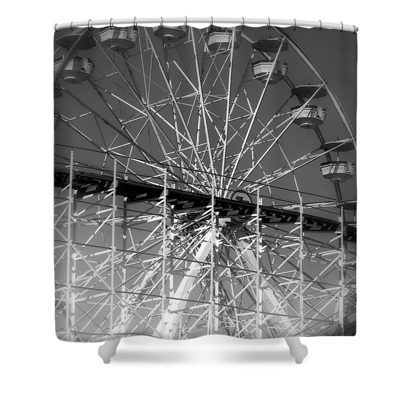 Lovers Leap Shower Curtain featuring the photograph Lovers Leap by Ed Smith