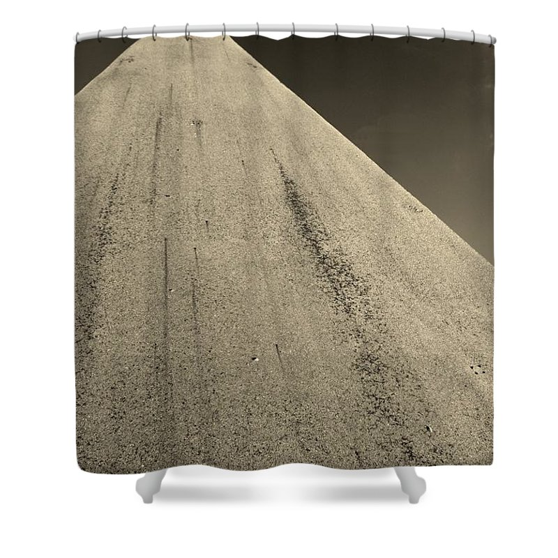Road To The Gods Shower Curtain featuring the photograph Road To The Gods by Edward Smith
