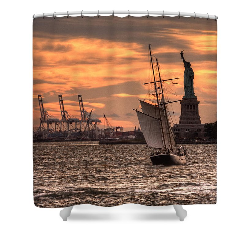 Statue Shower Curtain featuring the photograph Sailing To Liberty by Rob Hawkins