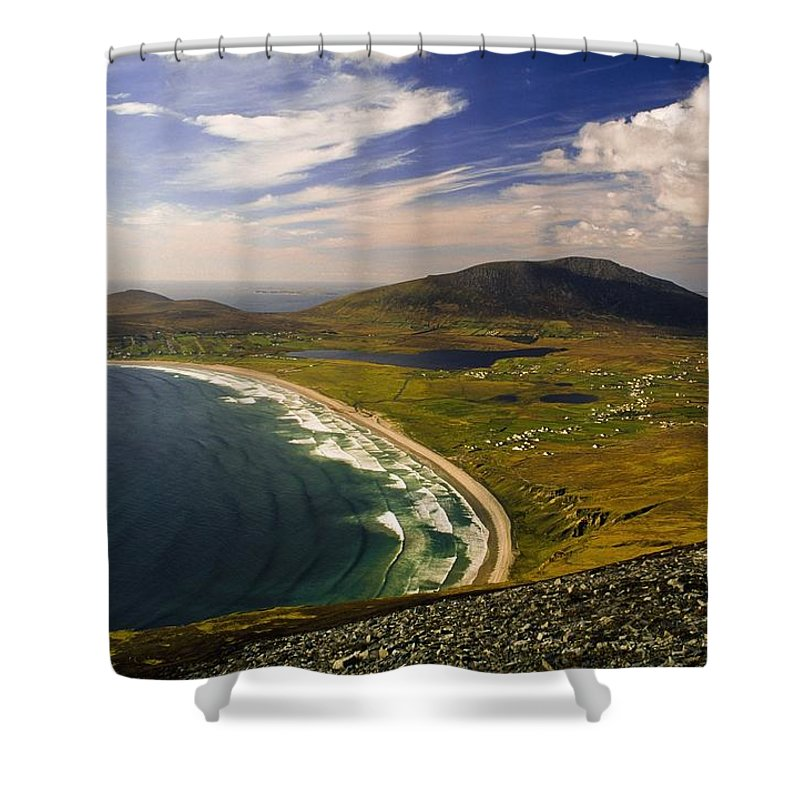 Vista Shower Curtain featuring the photograph Seascape Vista by Gareth McCormack