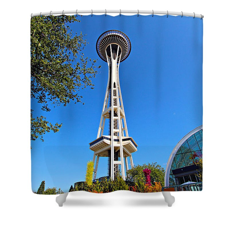 1962 Shower Curtain featuring the photograph Space Needle In Seattle Washington by Paul Fell